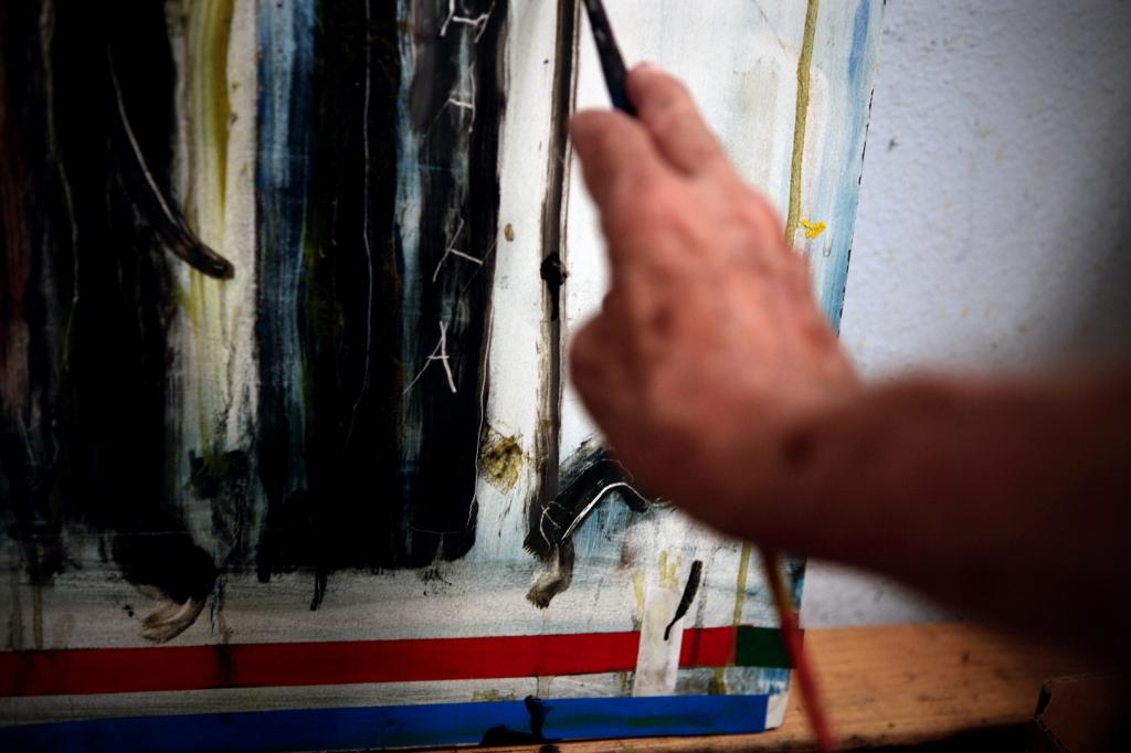 painter hand 3a
